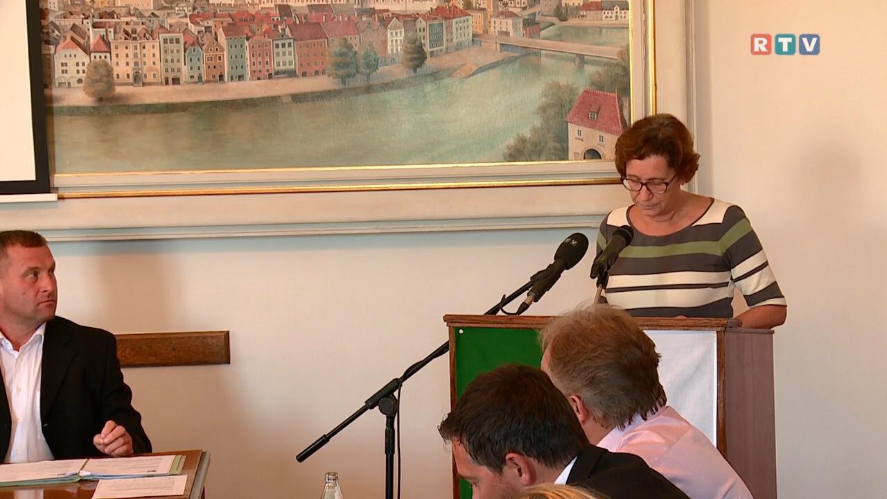 Berichterstattung - INGRID WEIXLBERGER