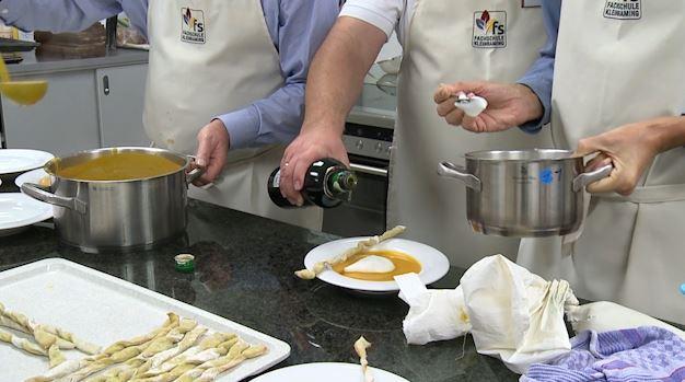 Kochduell Männer gegen Frauen